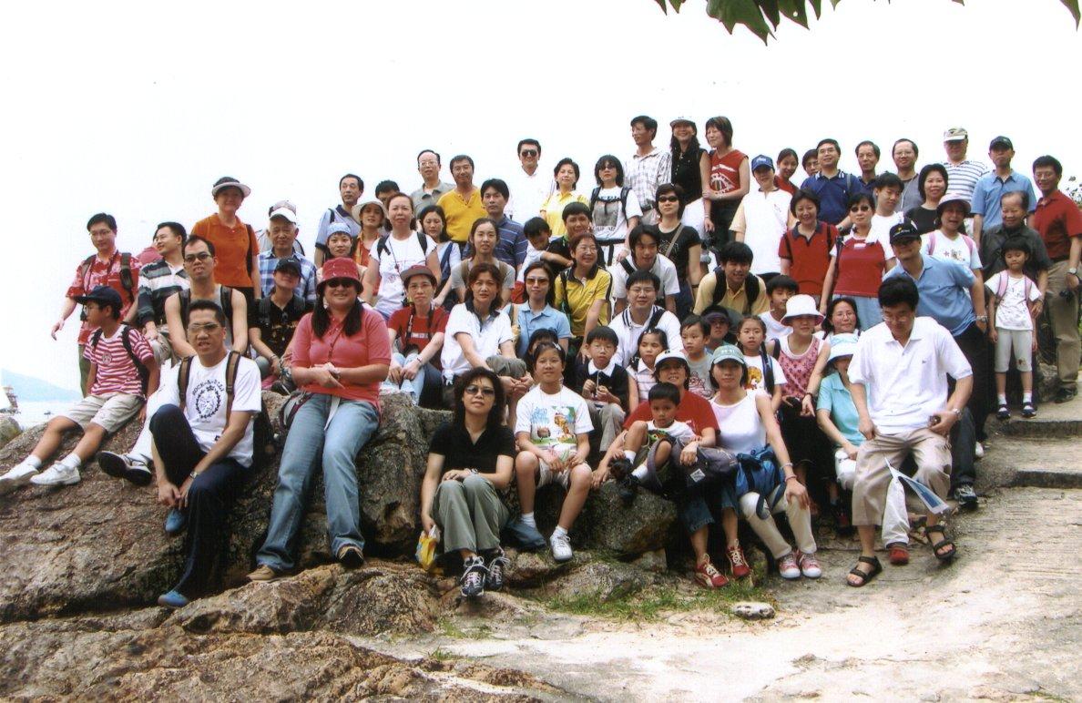 2012年公司组织员工分批旅游